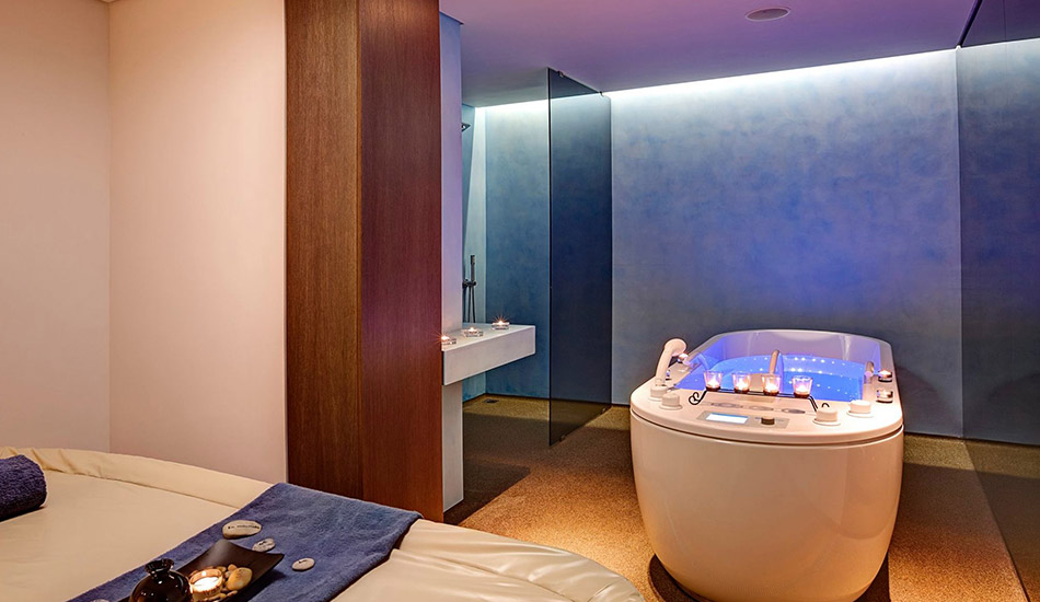 Spa with 5 treatment rooms